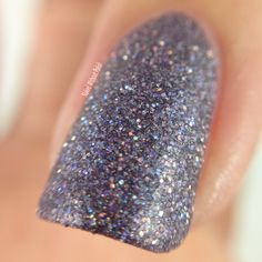 Macro of SuperChic Lacquer She Wears the Pants with Marvel Plush top coat @wonderbeautypro