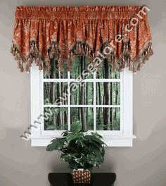 The Tiffany Valance is a stylish jacquard, featuring an elegant classic pattern embellished with gold metallic yarn. #Ascot #Tassels #Valances