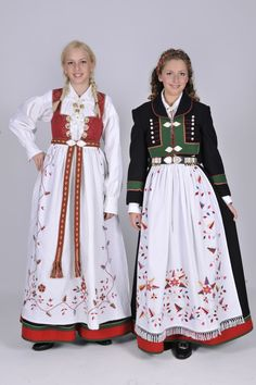 Aust-Agder Åmlibunad Hardanger Embroidery, Folk Fashion, Folk Costume, Summer Outfits Women, Traditional Dresses, Costumes For Women, Norway, Bridal Dresses, Vintage Photos