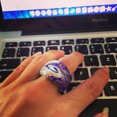 Aj vy musite pracovat v tom teple? Rozjasnite si pracu prstenom Laguna ☀️ #murano #macbook #apple #handmade #italie #prsten #prsteny #sperky #czechgirl #brno #slovakia #work #happy #like4like #instamood #instaphoto #laguna #ring #spiral #everyday