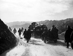 The marine and army retreat from the Changjin (Chosin) reservoir in December, 1950