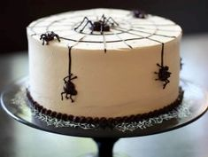 SPIDER CAKE Spiders on a cake are just plain creepy and a whole lot of fun. The marble cake will satisfy your cravings for both vanilla and chocolate. And nutella buttercream and bittersweet ganache spiders are the perfect finishing touches. Postres Halloween, Fröhliches Halloween, Halloween Food For Party, Halloween Cakes, Holidays Halloween, Halloween Treats, Halloween Desserts, Halloween Birthday, Spider Cake