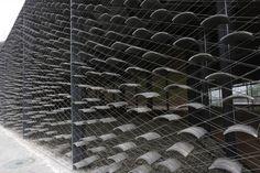 The China Academy of Art's Folk Art Museum, Hangzhou by Kengo Kuma. Photography by Eiichi Kono. Images courtesy of Kengo Kuma and Associates Kengo Kuma, Hangzhou, Art Village, Lebbeus Woods, Zaha Hadid Architects, Arte Popular, Design Museum, Art Museum, Detail Architecture