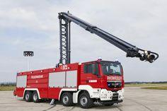 ULF 5000/3000/1000/240/HRET ( 2x ) Fahrgestell MAN 3 Mann - Kabine Pumpenleistung 6000 l / min. Tankinhalt 5000 l Wasser / 3000 l Moussol APS 3%