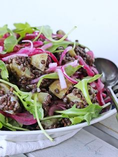 Ruokakonttuuri: Lentil potato salad with pickled onions
