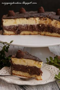 Juicy cheesecake with chocolate sprinkles Polish Desserts, Polish Recipes, Cookie Desserts, No Bake Desserts, Dessert Recipes, Delicious Deserts, Different Cakes, Bakery Recipes, Cheesecake Recipes