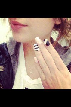 Ashley bensons nails #pll