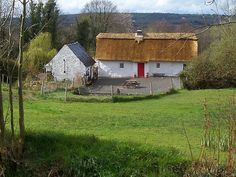"'""Old Homestead""--NewThatch-Nr Cloneen Co.Tipperary[viewLarge]' by Pat Duggan Irish Cottage, Old Cottage, Cottage Homes, Cottage Ideas, Irish Christmas Traditions, Lets Run Away, Irish Landscape, Cottages By The Sea, Thatched Roof"