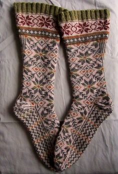 tea with mrs. mourning dove Another gorgeous pair of socks Crochet Socks, Knitting Socks, Hand Knitting, Knit Crochet, Knitting Patterns, Fair Isle Pattern, Fair Isle Knitting, Wool Socks, Knitting Projects