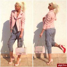 Very SJP. Loungewear with heels <3