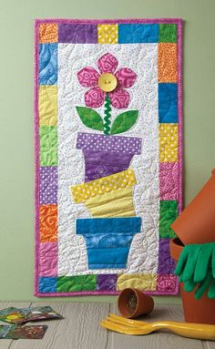 Cute summer wall hanging in Quiltmaker magazine March/April issue