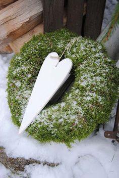 dona blogg: jul Heart on green wreath