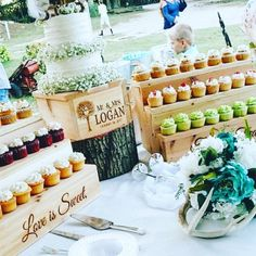 Cupcake Stand and cake stand, Rustic Wooden Cupcake stair Stand, Country Wedding, Spring Summer Fall Wedding, Wedding Cake Rustic Cupcakes, Mini Cupcakes, Rustic Cake, Fall Wedding Cupcakes, Cupcake Display, Cake Trends, Baby Shower, Bridal Shower, Beautiful Wedding Cakes