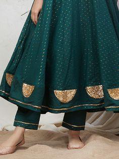 Green Cotton Gota Pants Latest Pakistani Dresses, Pakistani Dress Design, Party Wear Indian Dresses, Indian Wedding Outfits, Kurti Embroidery Design, Embroidery Suits, Silk Kurtas, Beautiful Dress Designs, Trendy Suits