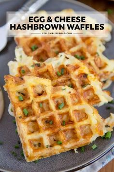 Egg and Cheese Hashbrown Waffles These Egg & Cheese Hash Brown Waffles are just the life hack you need to simplify your breakfast routine! Just a few ingredients is all you need and you're well on your way to breakfast euphoria. These hash browns are your Breakfast Appetizers, Breakfast For Dinner, Best Breakfast, Breakfast Waffles, Vegan Breakfast, Breakfast Casserole, Breakfast Dessert, How To Make Breakfast, Breakfast Ideas With Eggs