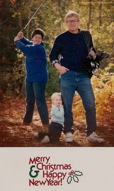 awkward family photos...except the killing the unsuspecting dad is actually an awesome Christmas card idea LOL