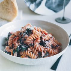 Here, we compile some of our favorite fast pasta recipes, from spaghetti with clams and garlic to bucatini with pancetta, pecorino, and pepper.