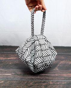 Sewing Tutorials, Sewing Crafts, Diy Bag Designs, Diy Bags Patterns, Diy Handbag, Handbag Tutorial, Diy Bags Purses, Fabric Bags, Sewing Basics