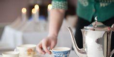 Synnøve Galaasen Olsen på Akre i Trysil er matformidler og kokk, vinner av Askeladdprisen for årets unge gründer i 2014, og har gitt både konfirmanter og kongelige magiske matopplevelser på gården Akre. Virkelig verdt et besøk med gjengen! Tableware, Lattices, Dinnerware, Tablewares, Dishes, Porcelain Ceramics