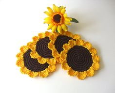 Crochet Coasters Daisies Brown Yellow Flowers by MariMartin Crochet Home, Love Crochet, Crochet Gifts, Crochet Yarn, Crochet Daisy, Autumn Crochet, Crochet Sunflower, Crochet Potholders, Crochet Doilies