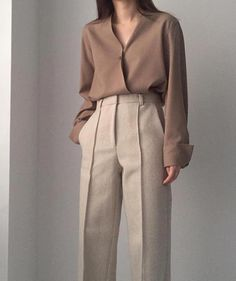 Stunning work korean fashion 8951 – Source by You are in the right place about korean fashion 2020 Here we offer you the most beautiful pictures about the korean fashion aesthetic you are looking for. When you examine the Stunning work korean fashion Simple Work Outfits, Classy Outfits, Vintage Outfits, Casual Outfits, Sweater Outfits, Dress Casual, Office Outfits, Mode Outfits, Outfits For Teens