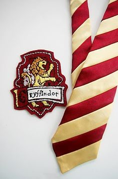 Gryffindor embroidered patch and tie