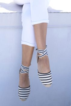 Britt+Whit| Obsessed with these striped @soludos sandals!
