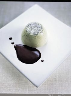 I just have to try this!  Green tea & vanilla pannacotta with chocolate sauce