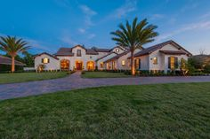 Dave Brewer Inc - The home is artfully styled in Tuscan Farm house charm and grandeur. This 2-story, 6 bedroom, 5 full bath and 3 half bath residence personifies Dave Brewer's signature of luxury and grace around every corner. #SpringPOH2015 #OrlandoHomes