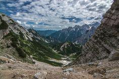 Výhled po pár set metrech výšlapu zpět směrem k parkovišti. Triglavský národní park, Slovinsko