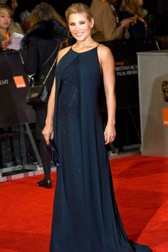 9dfd64046d7 1325 Best Celebrity Maternity Style images in 2019