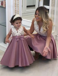 mother daughter matching dresses 2020 beaded lace appliqué dusty pink prom gown kids prom dress (price is for both mother and daughter dresses) Mommy Daughter Dresses, Mother Daughter Dresses Matching, Mother Daughter Fashion, Kids Prom Dresses, Elegant Prom Dresses, Prom Dresses 2018, Dress Prom, Evening Dresses, Big Dresses