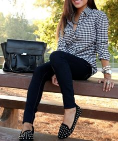 Cuffed gingham button down shirt, skinny jeans, flats, stacked bangles...Yea