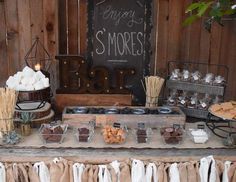 I love S'mores! A Smores food bar is such a fun idea!