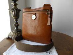 Mulberry Somerset Messenger in Oak Tumbled Leather > http://www.npnbags.co.uk/naughtipidginsnestshop/prod_4872097-Mulberry-Somerset-Messenger-in-Oak-Tumbled-Leather.html