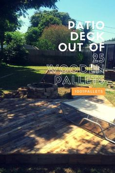 Terrific idea for a gorgeous-looking pallet patio deck on the cheap. Made with 25 repurposed pallets and around 40 bucks for the various supplies. - April 27 2019 at Wooden Pallet Projects, Wooden Pallet Furniture, Wooden Pallets, Pallet Ideas, Furniture Ideas, Furniture Online, Diy Projects, Garden Furniture, Project Ideas
