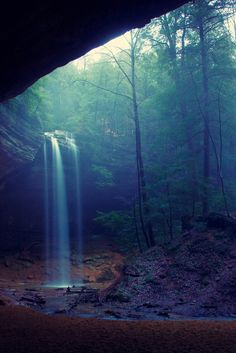 Ash Cave, Hocking Hills State Park, Ohio (Jim Crotty)