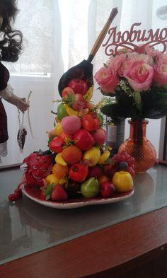 Парящая ложка фруктового изобилия
