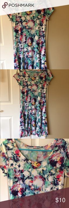 Fit and flare dress. Beautiful fit and flare dress. Soft and stretchy- very comfortable. Lovely watercolor floral pattern. Dresses Midi