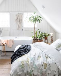 Cosy Home, Dream Bedroom, Bed & Bath, Home Design, Autumn Leaves, Comforters, Blanket, Furniture, Home Decor