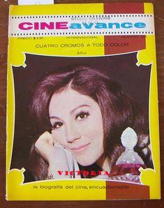 "Author: Henry James - based on ""Washington Square"". Julissa, Guillermo Murray, Enrique Álvarez Félix. Director: José Luis Ibáñez. IMDB: 5.4 (Mexico) (Spanish) _________________________ https://en.wikipedia.org/wiki/Victoria_%281972_film%29 https://es.wikipedia.org/wiki/Victoria_%28pel%C3%ADcula_de_1972%29 http://www.imcine.gob.mx/cine-mexicano/pelicula2377 https://www.youtube.com/watch?v=o0KLRbVSSnk"