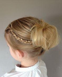 Bruidsmeisje kapsel door visagist en hairstylist Claudia Eliens | www.visagistclaudia.nl