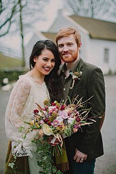 Such a cool looking wedding ! Love the tweed and rustic flowers !