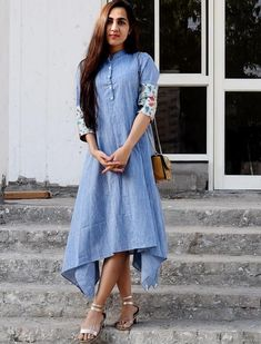 41 Cotton Kurti Designs are Really Cool for Stitching Inspiration - LooksGud. Dress Indian Style, Indian Dresses, Cotton Dress Indian, Indian Wear, Kurta Designs Women, Blouse Designs, Denim Kurti Designs, Casual Dresses, Fashion Dresses