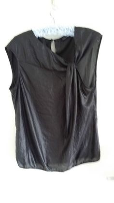 HOWARD SHOWERS  SHINY BLACK TOP  SIZE S/M