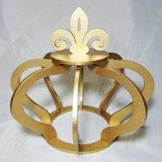 Coroa grande 3D 29 x 32 em MDF 6 mm cor dourada  