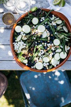 Salade met linzen, groene asperges en geitenkaas