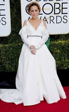 Sarah Jessica Parker from Worst Dressed at Golden Globes 2017 I think with my heart she was making an homage and I love the gesture. Some might have a different vision but this is all heart.