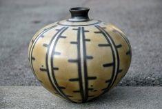swiss ceramics: Vase, Steinzeug, Naked Raku by Esther Bleiker