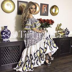 دراعه Mode Abaya, Mode Hijab, Arab Fashion, African Fashion, African Dress, Elegant Woman, Cheap Dresses, Maternity Fashion, Plus Size Fashion
